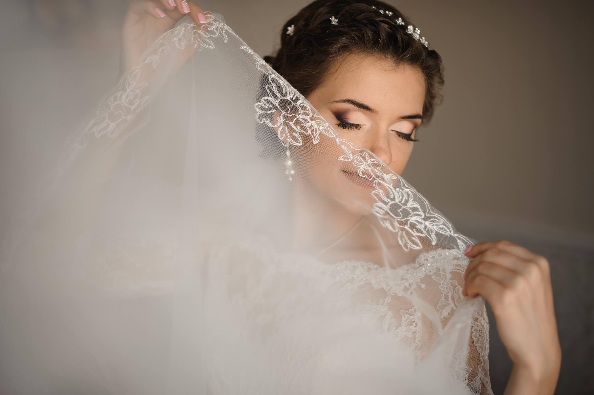 Smoky Bronzed Natural Wedding Makeup Look