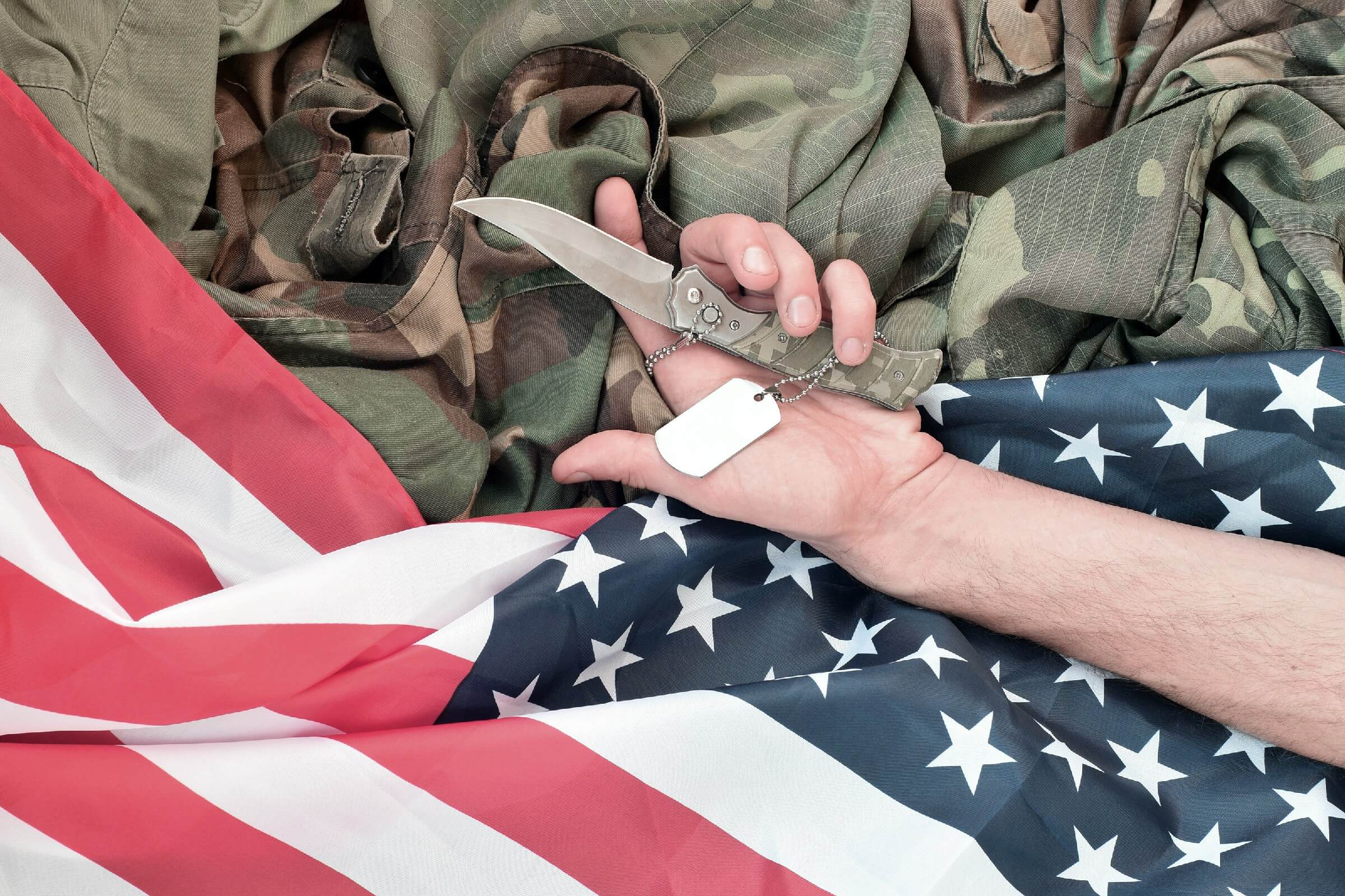 Military Pocket knifes as veterans day gift ideas