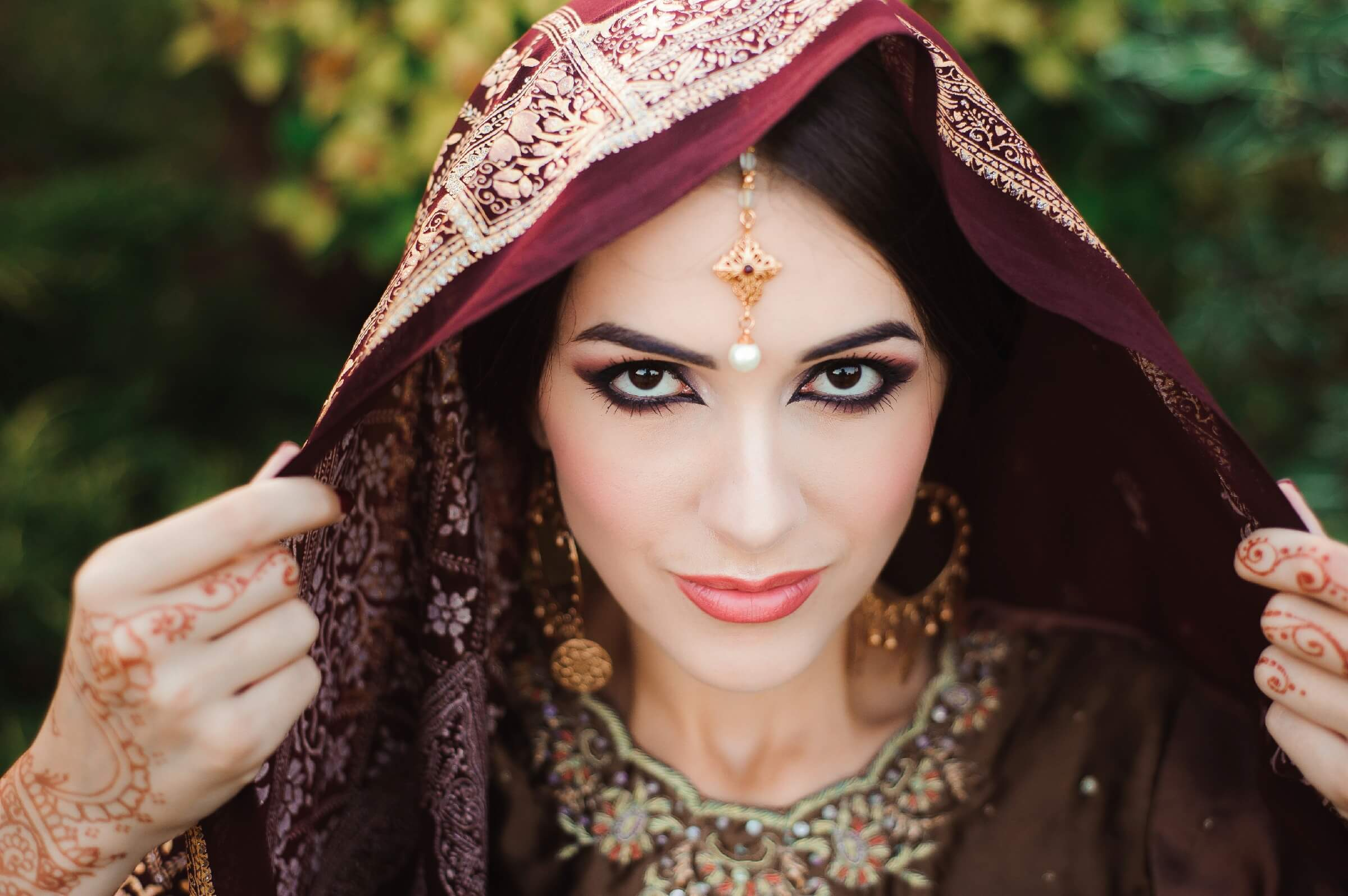 Donning the bold Indian bridal makeup look