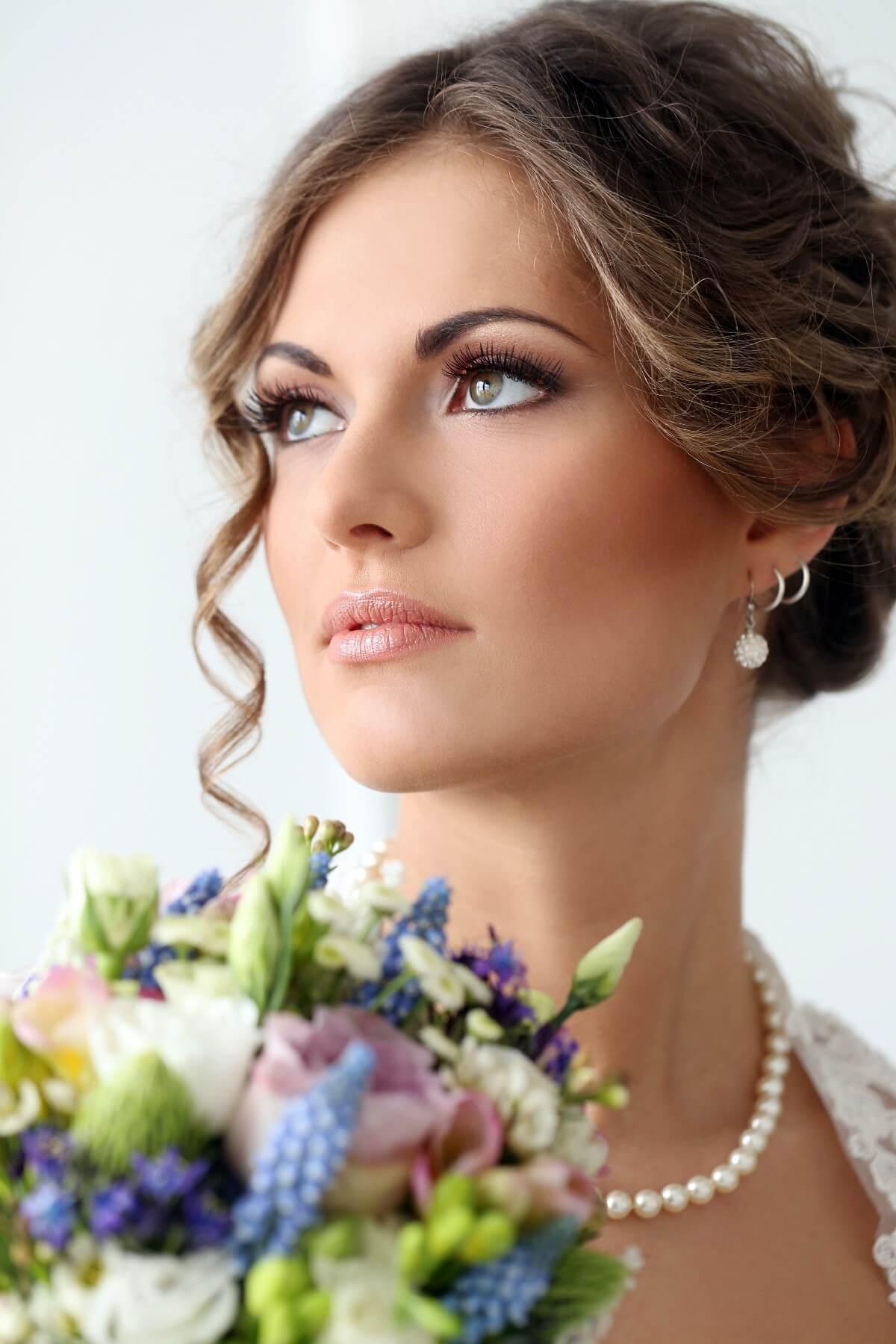 Shiny Copper Simple Wedding Makeup Look