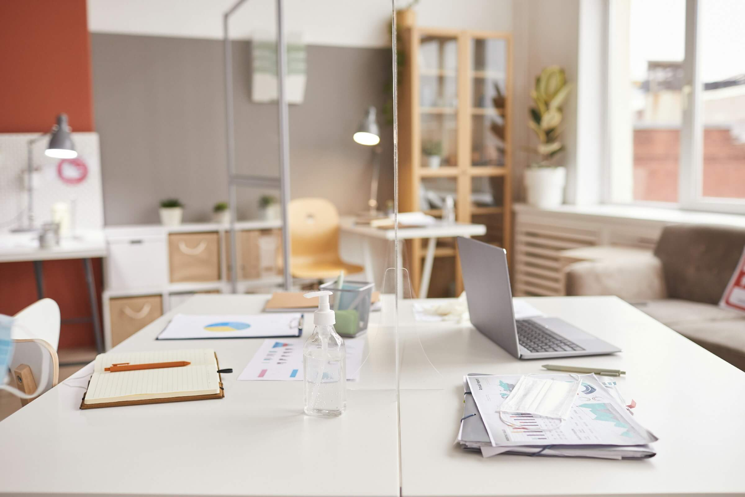 How to Do Office Cubicle Decor to Make Your Workspace Beautiful