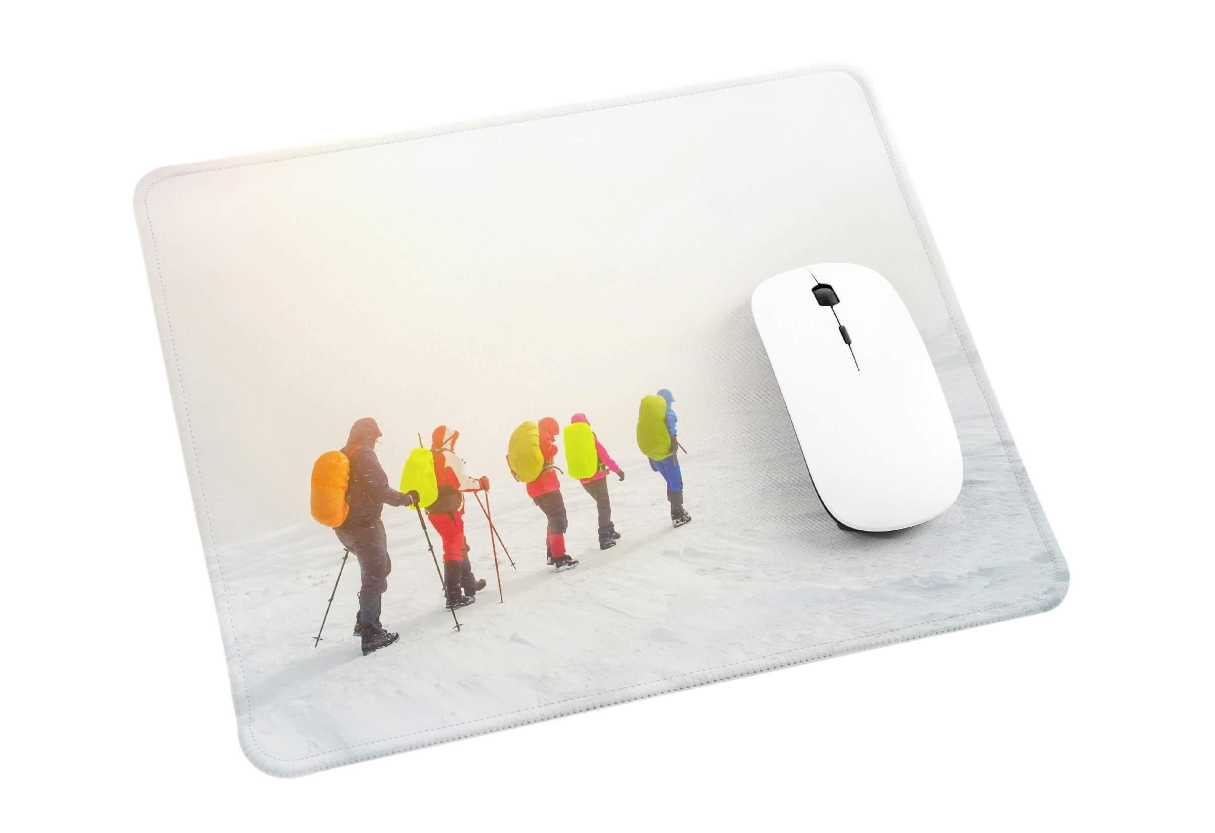 Make a chic DIY mousepad
