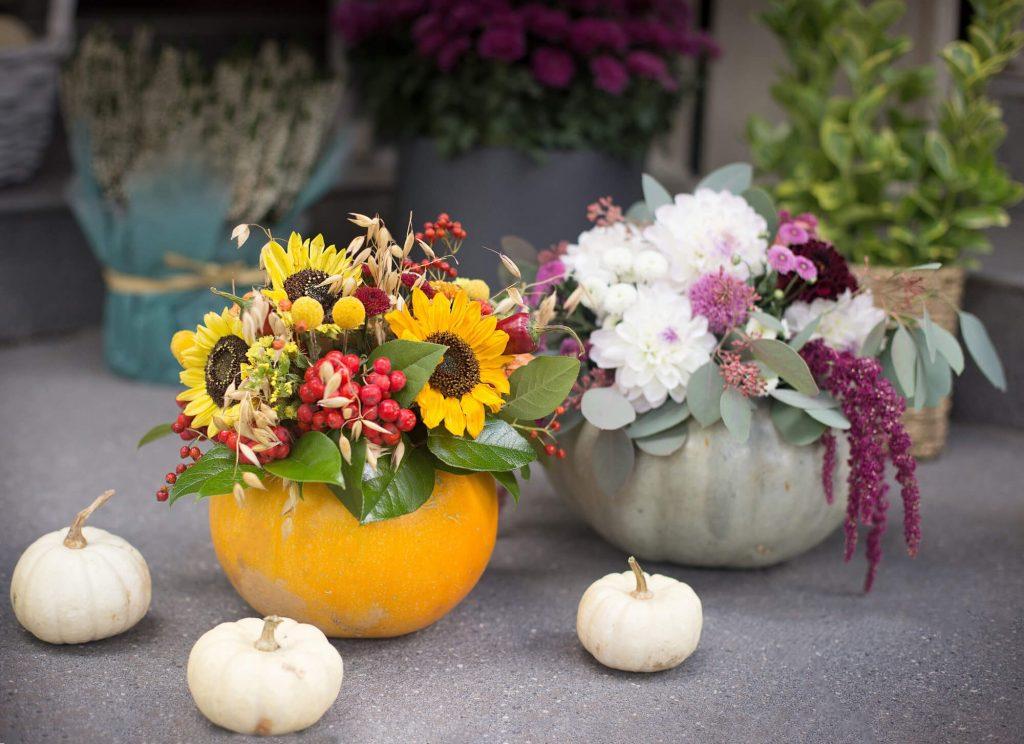 DIY Halloween decorations: Create a pumpkin vase